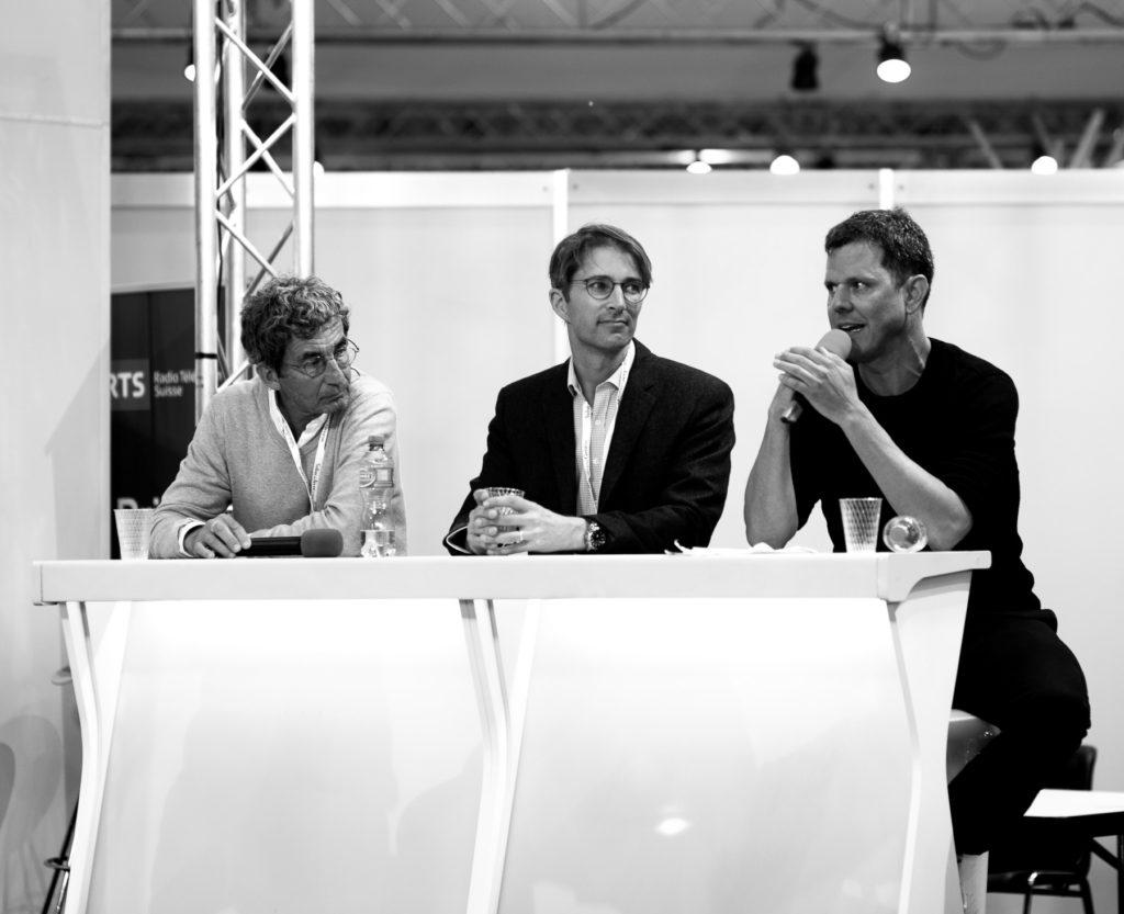Cyril Jost durant la table ronde «Simplifier sans être simpliste».