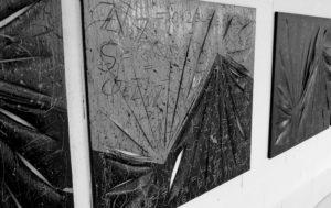 Série de toile de Jean-Claude Bossel évoquant des formules mathématiques.